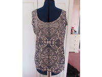 Dorothy Perkins pink/black top Size 12 Excellent condition