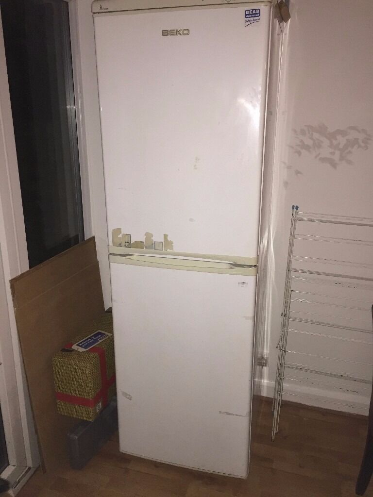 """Beco Large Size White Fridge Freezer For Salein Coventry, West MidlandsGumtree - Beco Fridge Freezer White Good condition Loads of storage space Fully Working order Height 73"""" Approx Width 24"""" Approx Depth 22"""" Approx"""