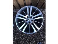 """Set of 4, 20"""" Range Rover alloys. VW T5"""