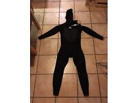 BRAND NEW, NEVER WORN RIP CURL FLASHBOMB 5/4MM 2017 HOODED CHEST ZIP WETSUIT (MEDIUM) £100 OFF RRP!