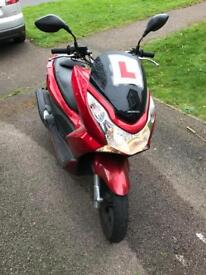 Honda PCX 125 2013, spares or repair. Damaged.