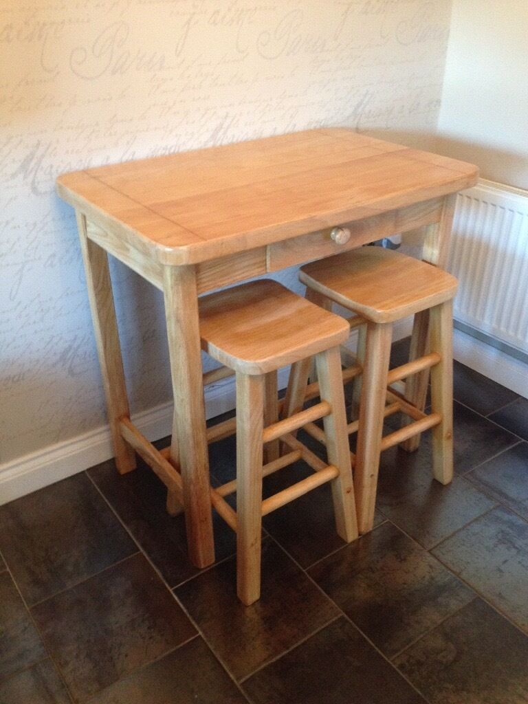 Solid oak table with stools in Chester Le Street County  : 86 from www.gumtree.com size 768 x 1024 jpeg 107kB