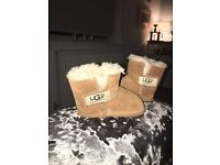 Size Small Age 6-12 Months Genuine Infant Erin Ugg Boots