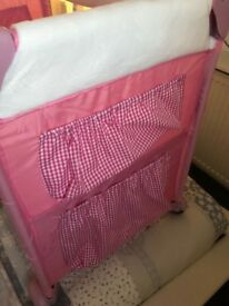 Travel cot Hauck dream and care pink travel cot been used 3times great space saver