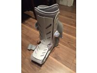 Protective Air Walker Boot, Aircast, ankle fracture, foot fracture, fracture boot