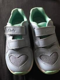 Clarks girls light up trainers size 7.5F