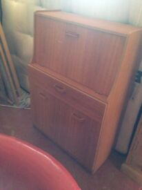 """VINTAGE /RETRO 1970""""s/1960""""s BUREAU IN VERY GOOD USED CONDITION DELIVERY POSSIBLE CALL 07486933766"""
