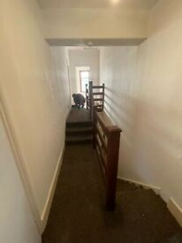 BEAUTIFULL 2 BEDROOM FIRST FLOOR FLAT READY TO MOVE IN LEYTON (E11)