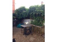 large 1 bed garden flat on tree lined road near city & M4 part furnish £625