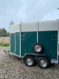 Ifor Williams horse trailer box trailer twin axle solid trailer tidy box twin partition equestrian