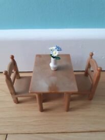 Sylvanian Families x2 2 seated tables