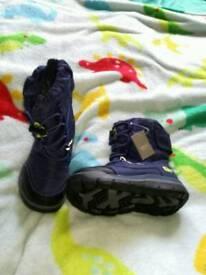 Brand new never worn Toddler boys blue Next snow boots.