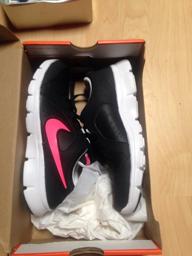 Nike running shoes girls uk3 new in boxin Greenisland, County AntrimGumtree - Brand new in box Nike running shoes , size 3, RRP is 45