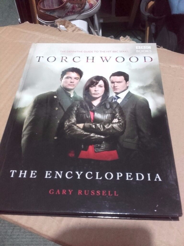 2 Torchwood Books - The Encyclopedia & The Archives