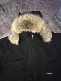 Canada goose heli artic massive fur new coat