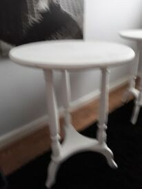 SHABBY CHIC WHITE CHALK PAINTED ROUND OCCASIONAL / SIDE TABLE