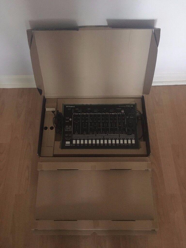 Roland TR-8 Drum machine £300 !!
