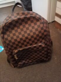 For sale this astonishing second hand LV BAG for £ 35