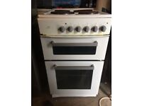 New world - 50 cm Electric cooker - £50 - working - 4 hobs - oven and grill