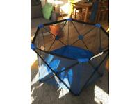 Hexagonal baby play pen