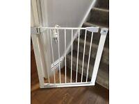 Baby safe gate
