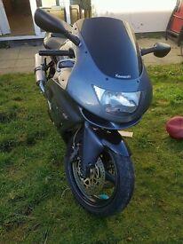 Kawasaki zx6r g1 (needs tlc)