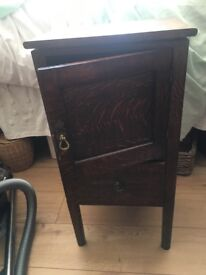 Solid wood potty table