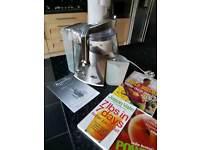 Breville juicer +books
