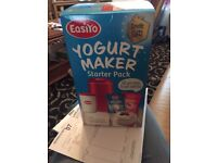 EasiYo Yogurt Maker - Classic Red - New Shape- Starter Pack