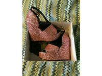 TOPSHOP PINK GLITTERY HEELS SIZE 5