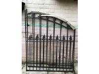BARGAIN!!!! Brand New Drive Gates