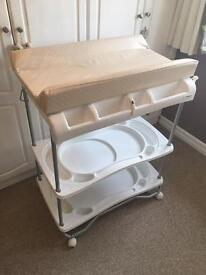 Bruin baby changing unit with bath