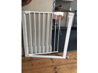 Lindam safety gate (2 available)