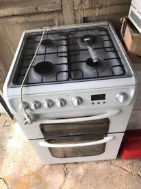 Hotpoint 62DGW Gas Double Oven. Free Standing