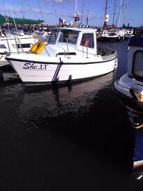 Pelican 21 boat
