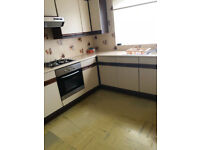 Fantastic 3 bedroom house, separate reception in Manor park/ Ilford area, E12