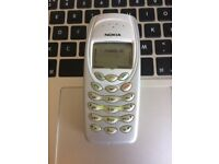 Very Good Unlocked Vintage Classic RETRO Nokia 3410 Mobile Phone Handset in Pristine Silver