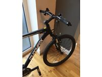 "MENS MATT BLACK MUDDYFOX ANARCHY 200 MOUNTAIN BIKE 22"" FRAME 26""WHEEL"