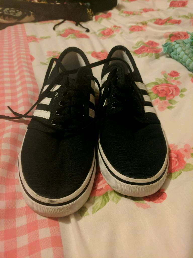 Adidas shoes size 5 halfin York, North YorkshireGumtree - Only been worn once still in brand new condition