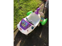 Little Tikes outdoor play car in style toy story / Buzz Lightyear rocket