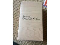 White Samsung Galaxy Mini S5 unlocked. Great condition!
