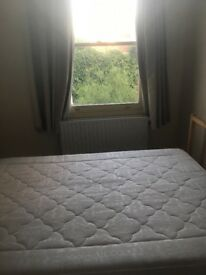 Room Available in Chilled 2-Bedroom House in Bedminster!