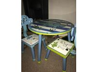 Dinosaur children's table with two chairs