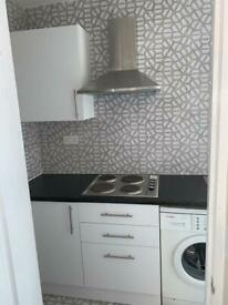1 bed FLAT WEST DRAYTON CLOSE TO HEATHROW NEAR SHOPS AND TRAIN STATION