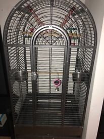 Bird cage, 160cm, excellent condition, comes with food bowls & accessories, available 4pick up asap