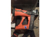 Spit pulse 800E good condition+ nails and gas