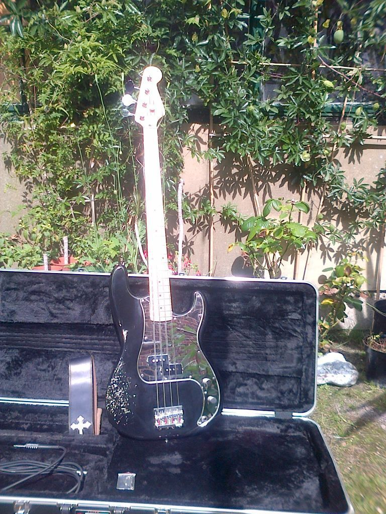 Fender p type precision bass relic phil lynott tribute in
