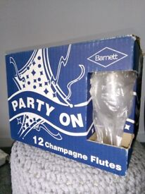 Champagne glasses (12 boxed)