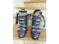 Salomon Prolink Ladies Ski Boots. Size 5.5. In mint condition.