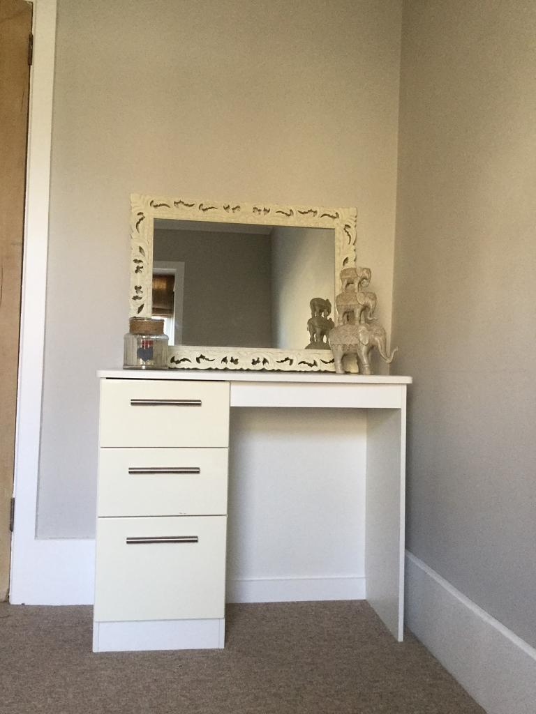 3 Drawer White Wooden Dressing Table